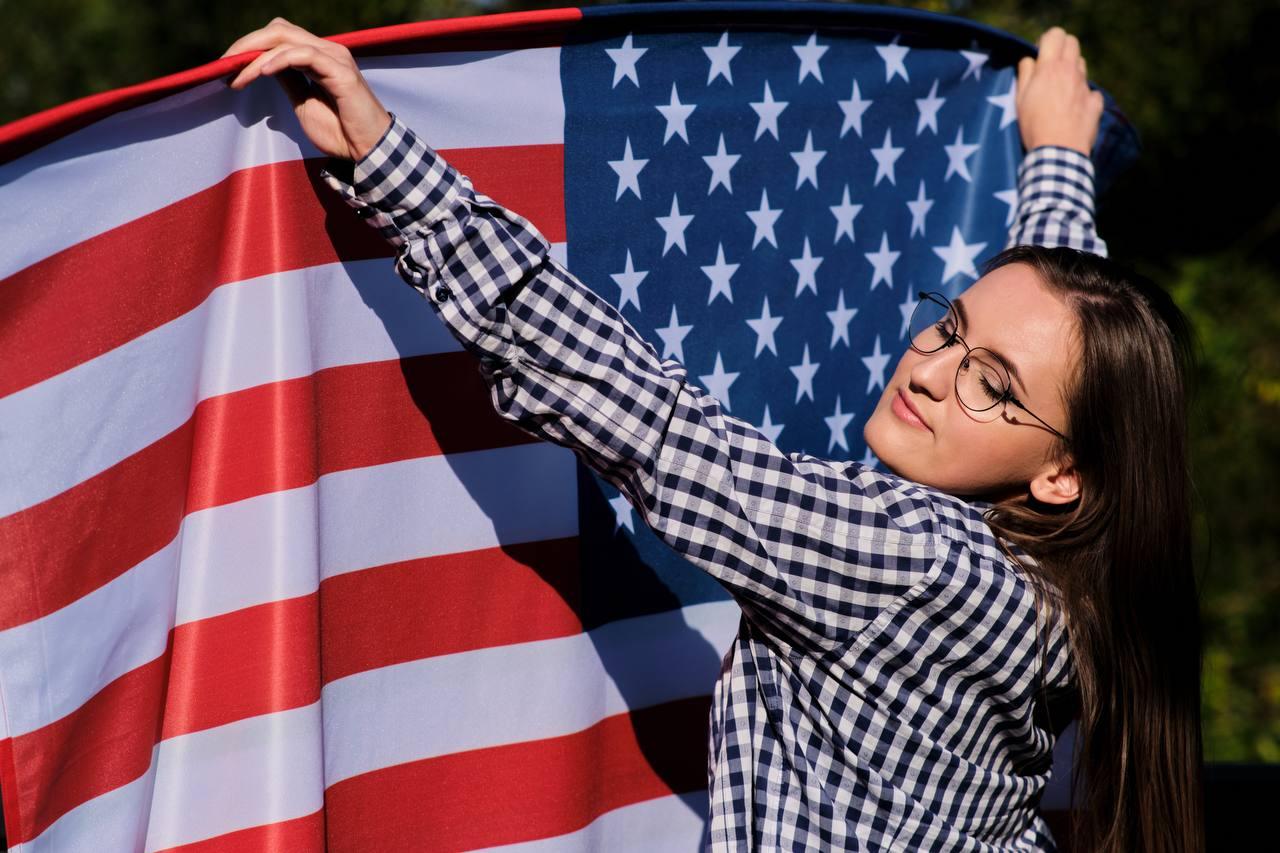  Теодор Драйзер «Американская трагедия»     Рейтинг: 10/10  ️ Вы уже знаете...
