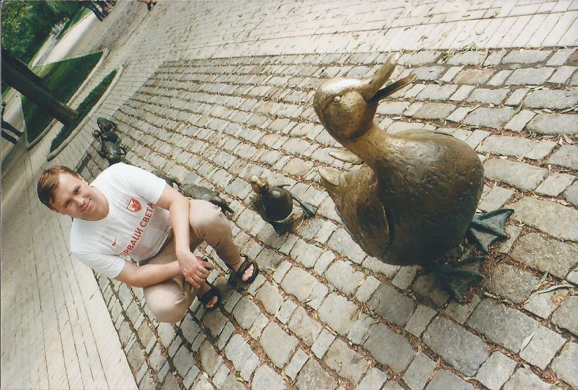 skulyptura-pohozhaya-na-original-v-bostonskom-skvere-byla-ustanovlena-v