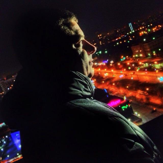 папаизучает  полезности   Арсений Горчуков — состоявшийся режиссер, сценарист...