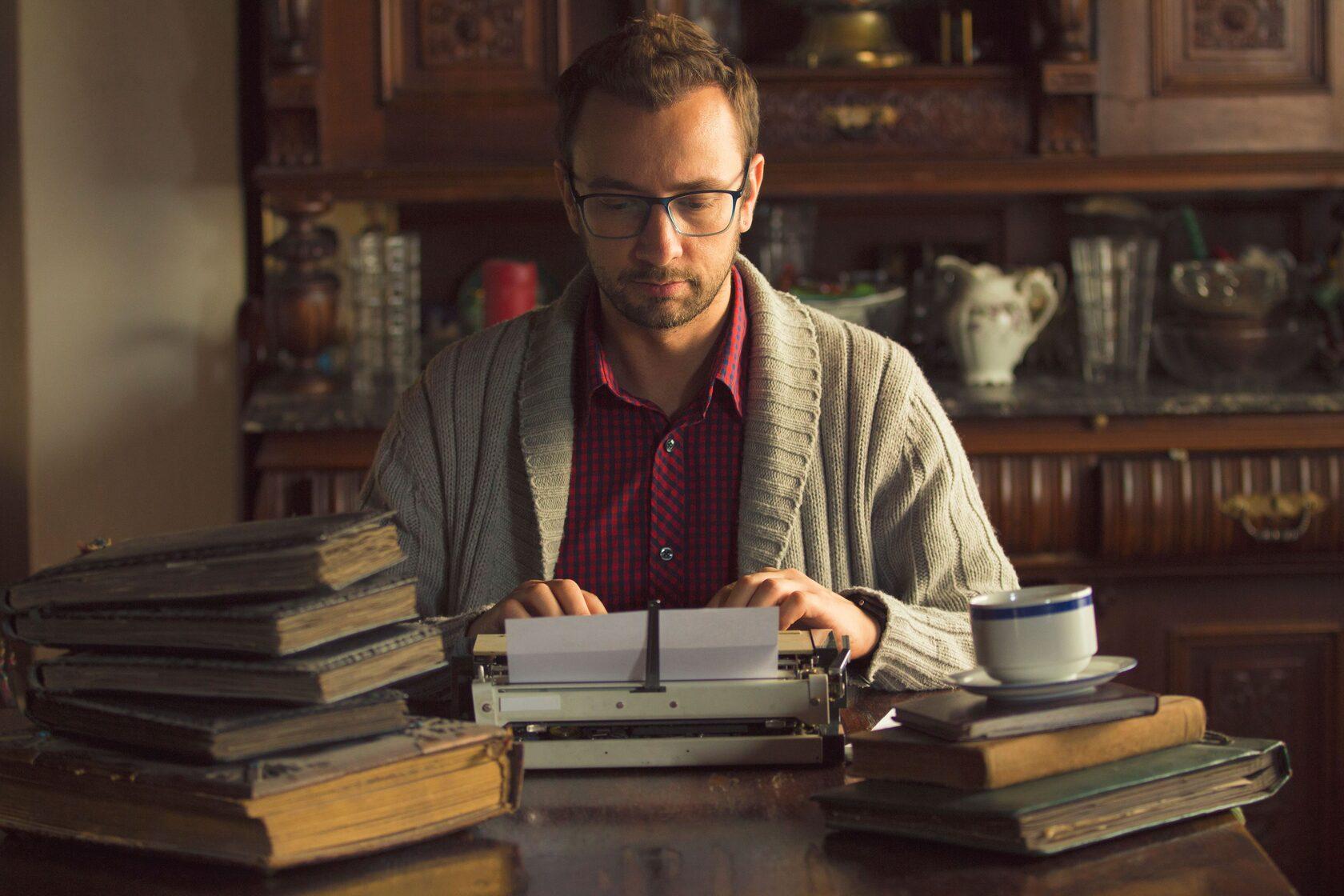 Бесплатная лекция о том, как стать писателем. Очень крутая Света Сачкова...