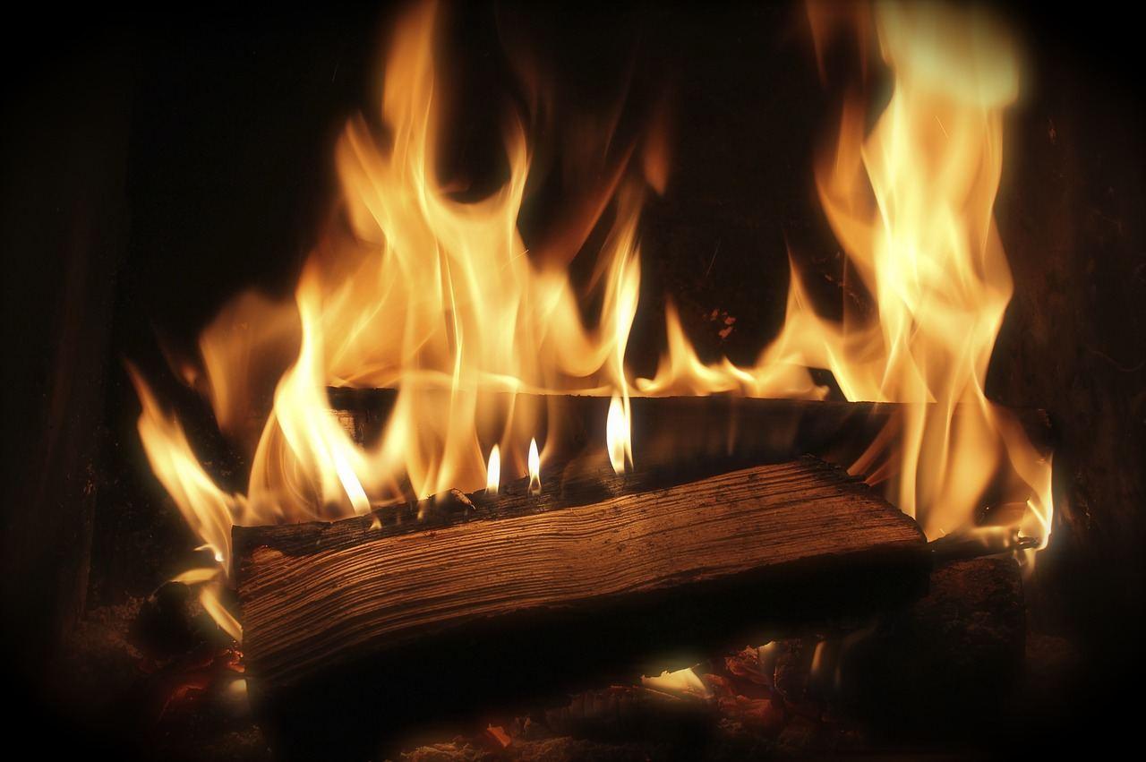  Рукописи горят  Не только Гоголь известен своим пристрастием к сжиганию...