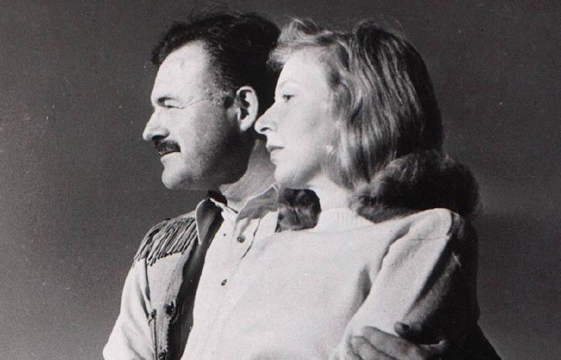  Эрнест Хемингуэй и Марта Геллхорн  Со своей третьей женой Хемингуэй...