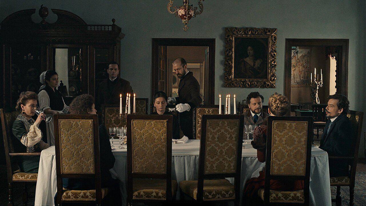 kino-rumynskaya-volna-ili-divannye-priklyucheniya-na-vyhodnye-smotryu-na